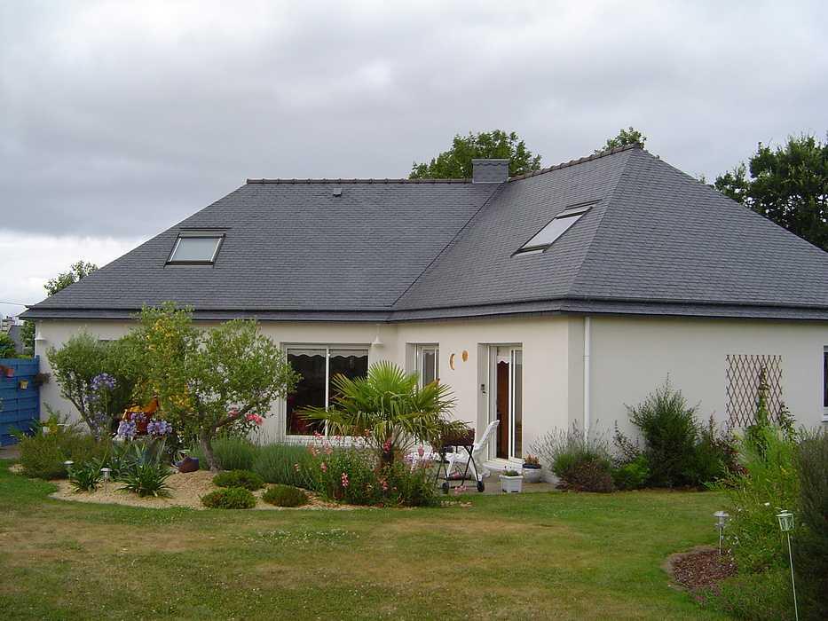 Le gardiennage de maison en Bretagne : des animaux épanouis dans un parc paysagé 0
